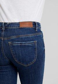 Vero Moda - VMLYDIA - Jeans Skinny Fit - dark blue denim - 5