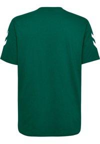 Hummel - HMLGO - Print T-shirt - evergreen - 1