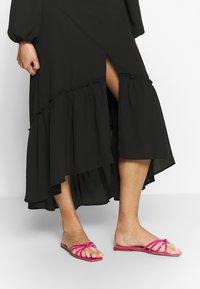 Who What Wear - THE PUFFSLEEVE MIDI DRESS - Robe d'été - black - 4