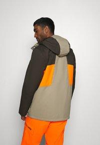 DC Shoes - DEFY JACKET - Snowboard jacket - brown - 2