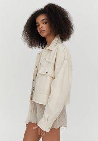 PULL&BEAR - Denim jacket - white - 3