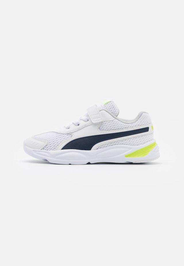 90S RUNNER AC UNISEX - Scarpe running neutre - white/peacoat/lime