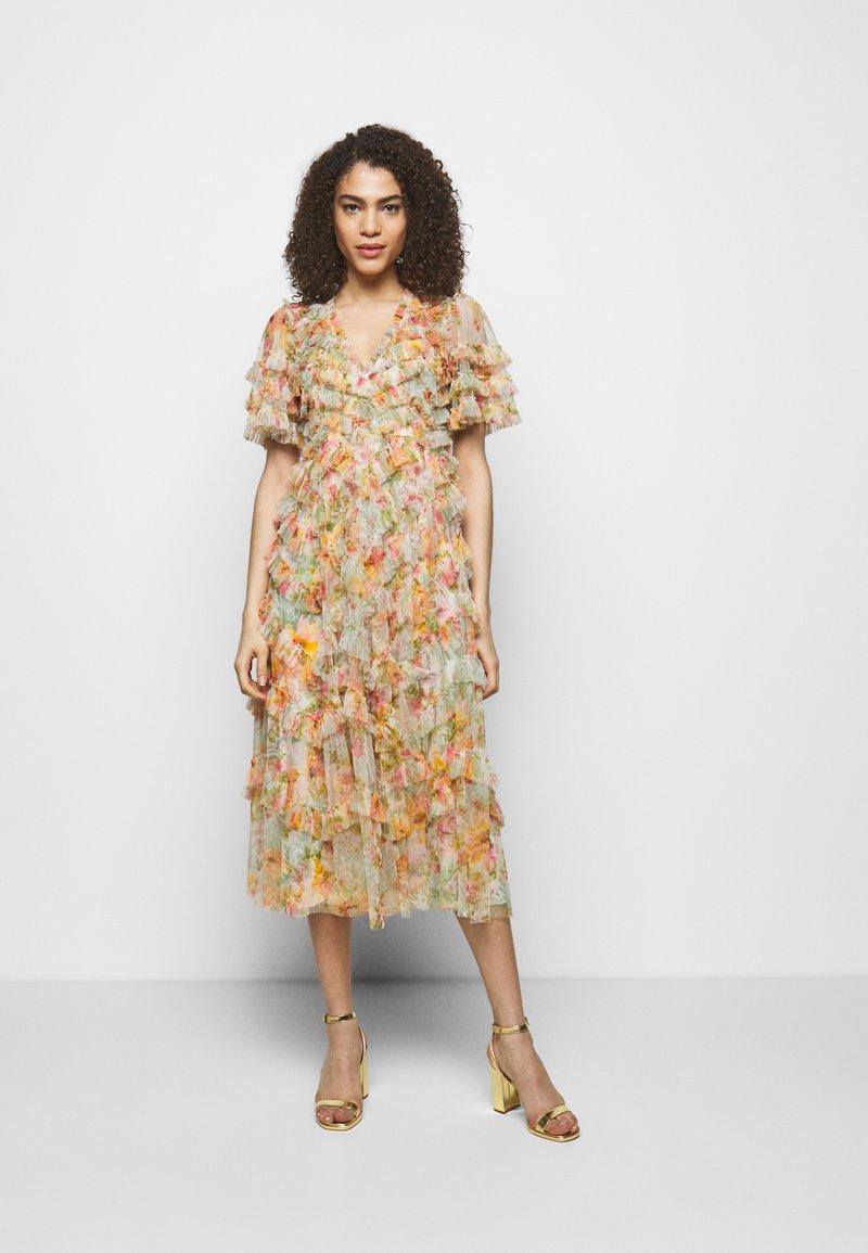 Needle & Thread - SUNSET GARDEN V NECK BALLERINA DRESS - Koktejlové šaty/ šaty na párty - ivory