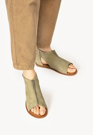 Sandals - nb olive uol