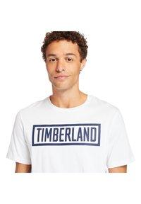 Timberland - MINK BROOK LINEAR LOGO - Print T-shirt - white - 3