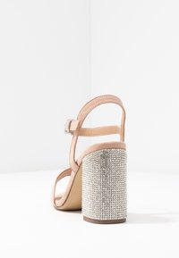 New Look Wide Fit - WIDE FIT TOYAL  - Sandali con tacco - oatmeal - 5
