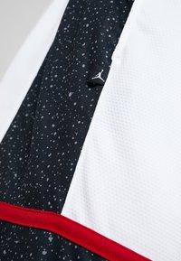 Jordan - JUMPMAN GRAPHIC SHORT - Korte sportsbukser - black/white/gym red - 4