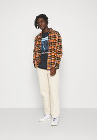 KnowledgeCotton Apparel - CHECKED OVERSHIRT - Skjorta - total eclipse - 0