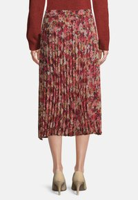 Betty & Co - Pleated skirt - red/rosè - 2