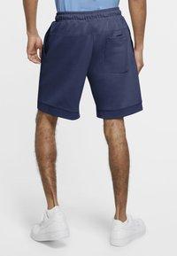 Nike Sportswear - MODERN - Shorts - midnight navy/ice silver/white/white - 2