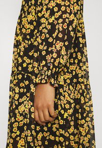 Tommy Jeans - PRINTED MIDI SHIRT DRESS - Shirt dress - black/yellow - 5