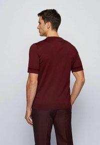 BOSS - IMATTEO - T-Shirt basic - dark red - 2
