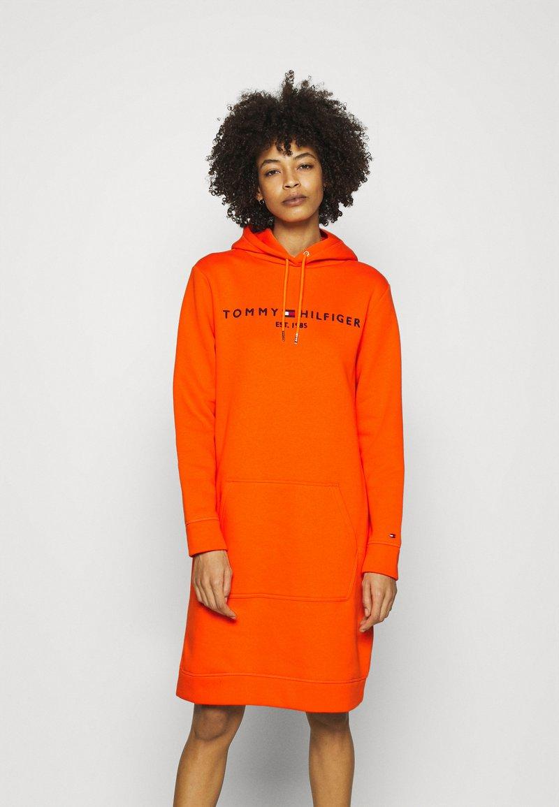Tommy Hilfiger - HOODIE DRESS - Day dress - princeton orange