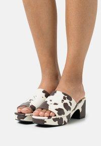 Monki - Heeled mules - white - 0