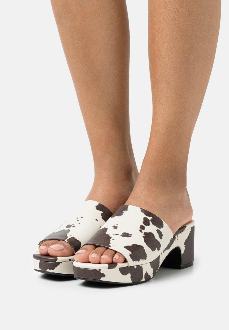 Monki - Heeled mules - white