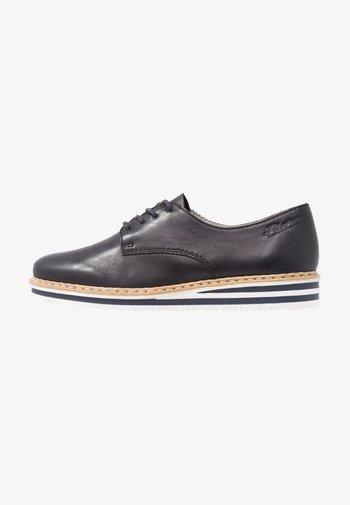Šněrovací boty - navy
