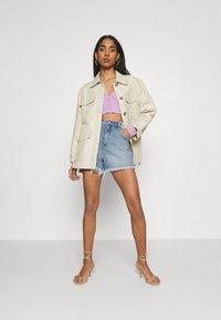 Abrand Jeans - A VENICE - Denim shorts - april - 1
