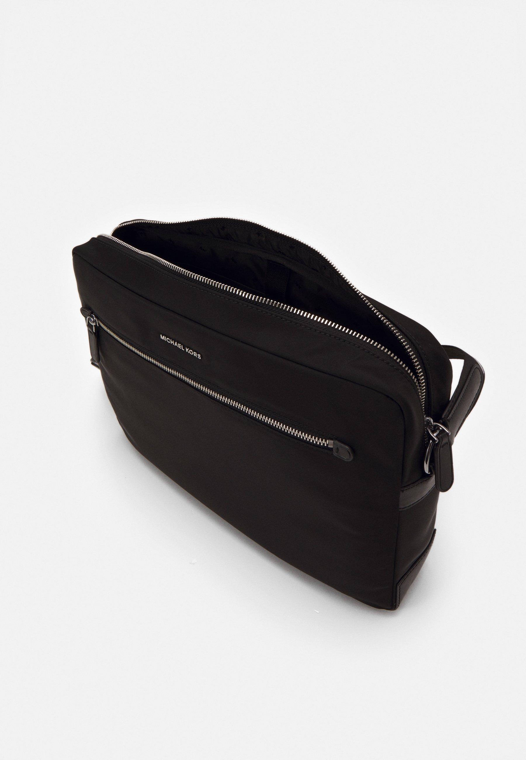 Michael Kors CAMERA BAG UNISEX - Sac ordinateur - black/noir ...