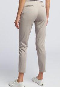 WÓLCZANKA - Spodnie materiałowe - grey - 2