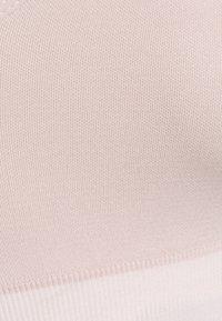 NU-IN - SHEER DETAIL BRA TOP - Light support sports bra - pink - 5