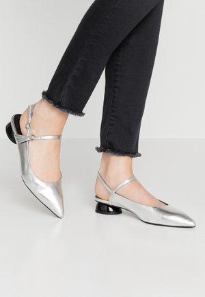 Slingback ballet pumps - silver