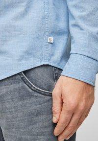Q/S designed by - Shirt - light blue melange - 5