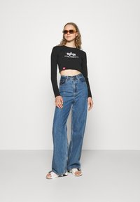 Alpha Industries - BASIC CROPPED  - Long sleeved top - black - 1