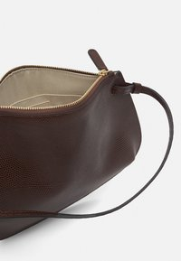 Little Liffner - PEBBLE CROSSBODY - Across body bag - dark brown - 3