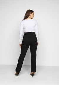 Missguided Plus - WRATH HIGHWASITED SPLIT  - Jeans straight leg - black - 2