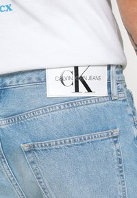 Calvin Klein Jeans - DAD JEAN - Relaxed fit jeans - light blue - 4