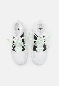 F_WD - XP2_JUNK X - Zapatillas altas - white - 3