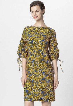 PRINTED DRESS - Day dress - yellow/royalblue