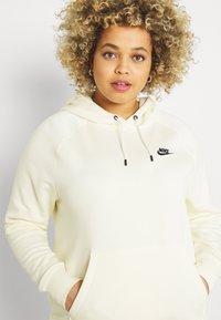 Nike Sportswear - HOODIE PLUS - Sweat à capuche - coconut milk/black - 3