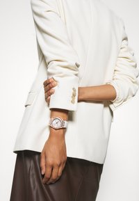 Guess - LADIES SPORT - Watch - white - 0