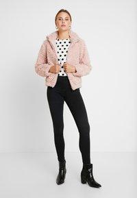 Dorothy Perkins - SHORT TEDDY COAT - Winter jacket - blush - 1