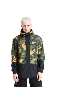 Timberland - CAMO ARCHIVE MOUNTAIN TRAIL - Leichte Jacke - duffel bag/wheat boot house camo-black - 0