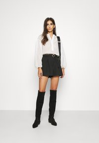 Claudie Pierlot - ELGA - Shorts - noir - 1