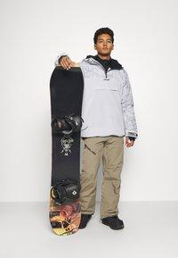 Oakley - ICE PULLOVER - Snowboard jacket - grey - 1