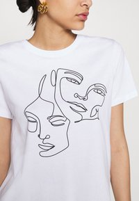Even&Odd - T-shirts med print - white - 4