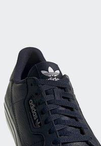 adidas Originals - CONTINENTAL VULC SHOES - Sneakers - blue - 9