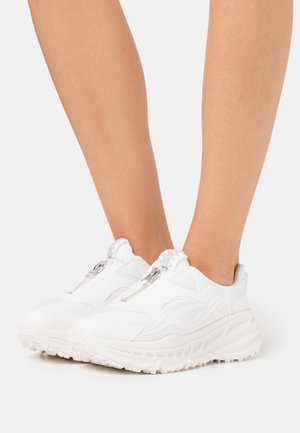 CA805 ZIP - Zapatillas - white