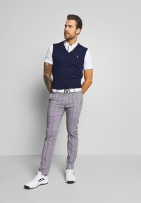 Lacoste Sport - BASIC GOLF - Sportshirt - white/navy blue - 1