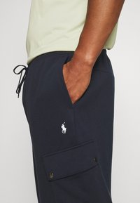 Polo Ralph Lauren Big & Tall - Cargo trousers - aviator navy - 5