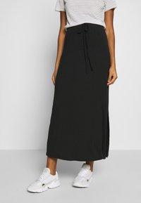 Vero Moda - VMAVA ANCLE SKIRT  - Maxi sukně - black - 0