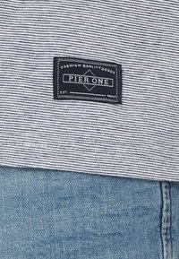 Pier One - Print T-shirt - blue - 5