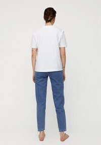 ARMEDANGELS - MAIRAA - Jeans Tapered Fit - mid blue