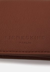 Liebeskind Berlin - BASIC SINA WALLET - Peněženka - new bourbon - 3