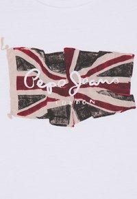 Pepe Jeans - FLAG LOGO  - Print T-shirt - optic white - 2