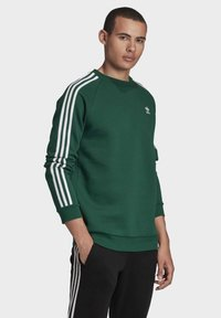 adidas Originals - 3-STRIPES CREWNECK SWEATSHIRT - Mikina - green