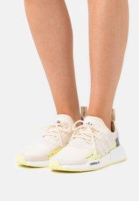 adidas Originals - NMD_R1  - Zapatillas - white - 0